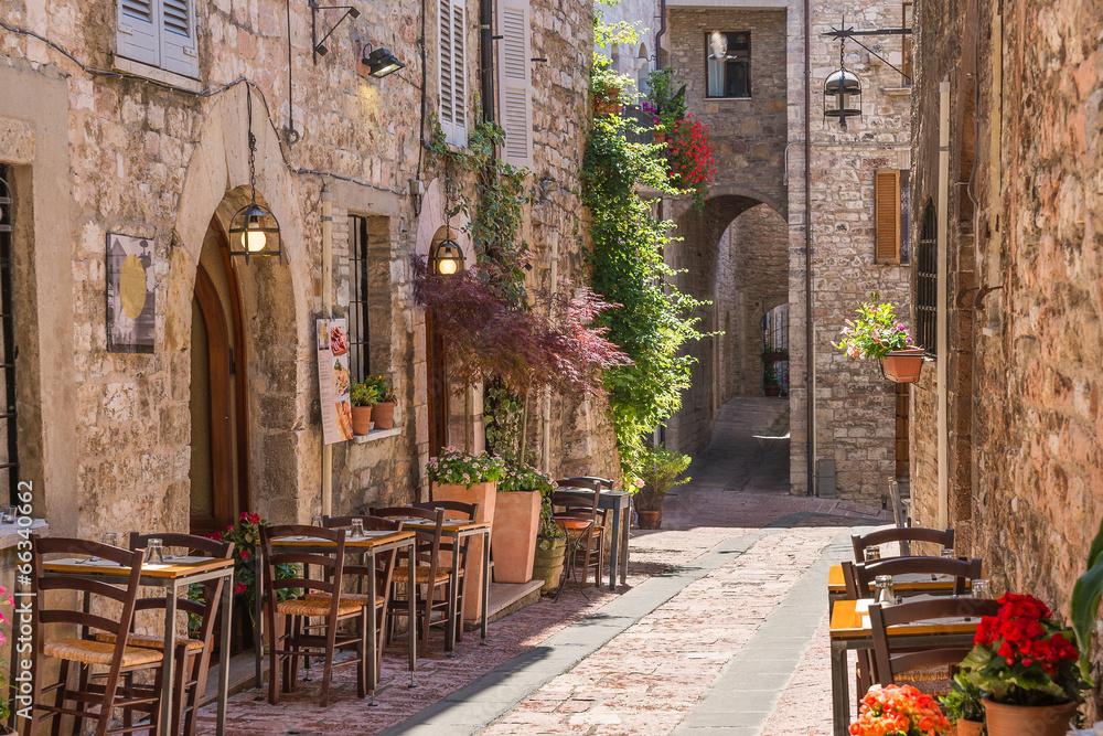 Fototapeta Tipico ristorante italiano nel vicolo storico