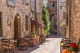 Fototapeta Alley - Tipico ristorante italiano nel vicolo storico
