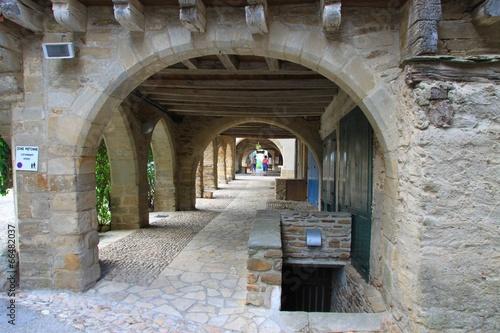 Fotomural Les arcades de Sauveterre de Rouergue