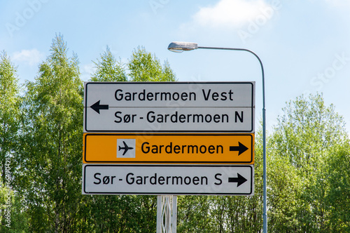 Photo  Norway - road directions sign to Gardermoen