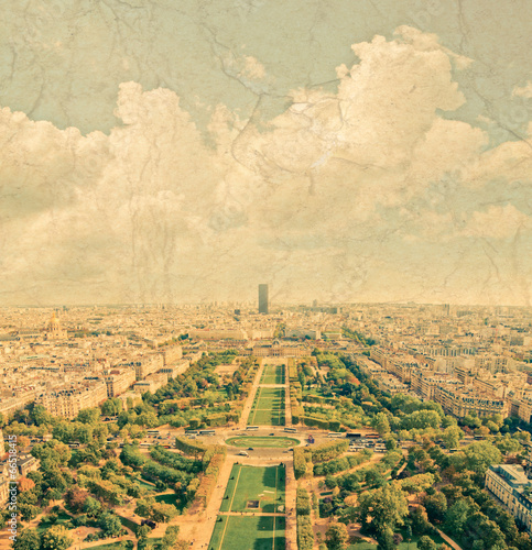 Foto  Aerial panoramic view of Paris and Seine river as seen from Eiff