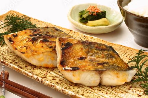 Deurstickers Klaar gerecht 焼き魚 鰆の西京焼き 焼き魚定食