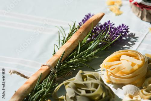 Tischdeko Italienisch Kaufen Sie Dieses Foto Und Finden Sie