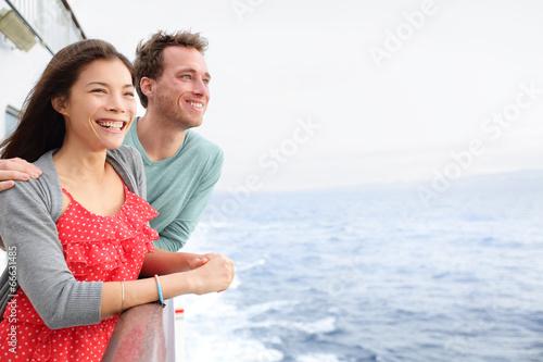 Stampa su Tela Cruise ship couple romantic on boat