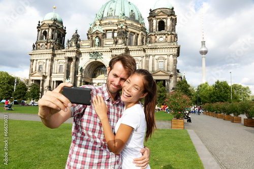 Αφίσα  Berlin Germany travel couple selfie self portrait