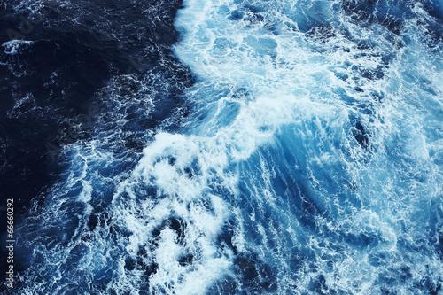 Valokuva  raue Wasseroberfläche 4