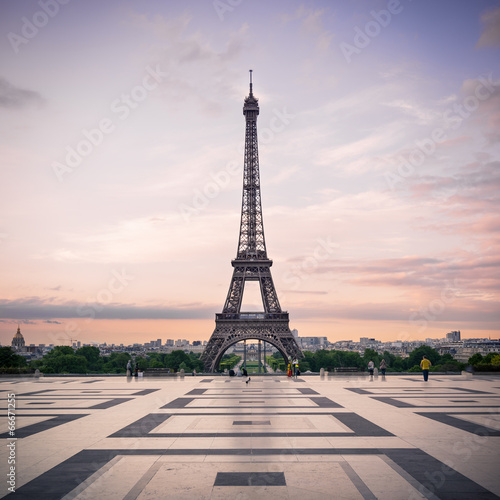 Trocadero and Eiffel Tower at sunshine. Paris, France. Wall mural