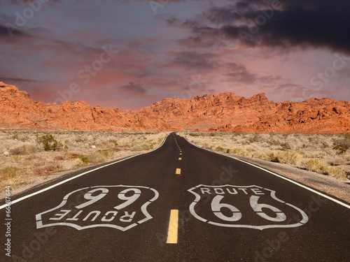 Poster de jardin Route 66 Route 66 Pavement Sign with Red Rock Mountain Sunset
