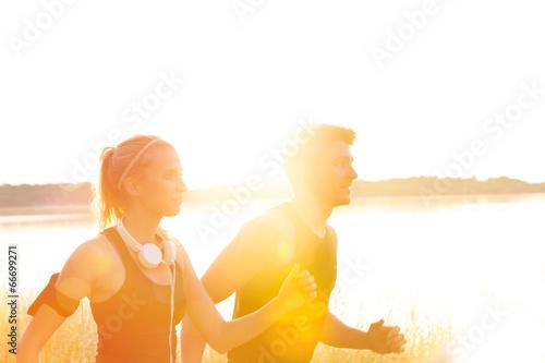Foto  Joggen im Sonnenuntergang