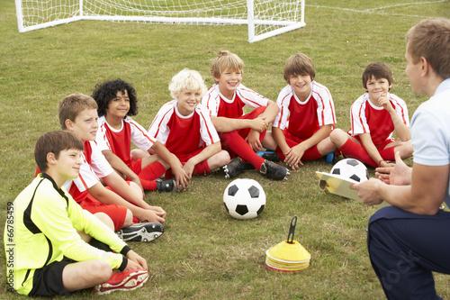 Fotografie, Obraz  Junior football team training with coach