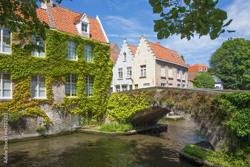 Deurstickers Brugge Bruges - Look to canal and old little bridge
