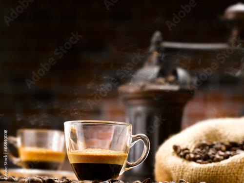Plakat gorąca parzona kawa