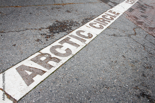 Arctic circle mark