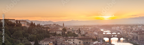 Poster Corail Arno River and Ponte Vecchio at sunset, Florence
