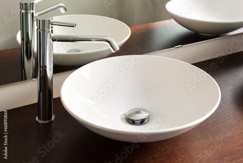Photo modern bathroom, sink