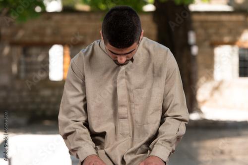 Fotobehang Midden Oosten Humble Muslim Prayer