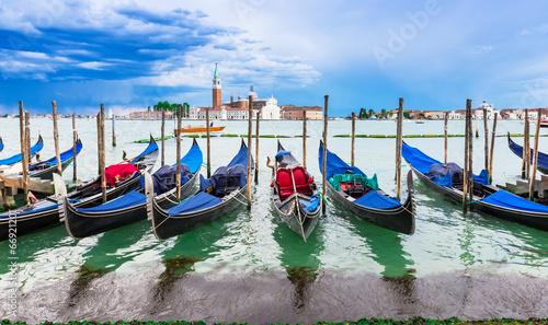 Foto op Plexiglas Venetie Gondolas moored by San Marco square, Venice
