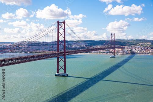 lisbon-most-z-pejzazem-miejskim
