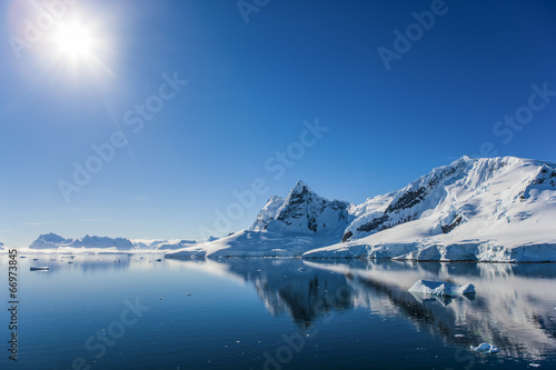 Photo Stands Antarctic Paradise Bay, Antarctica