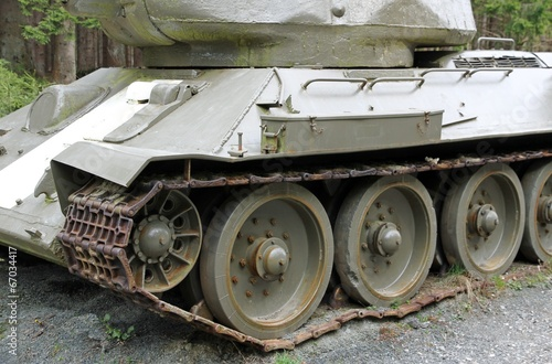 Fényképezés  heavy tank tracks used during the war