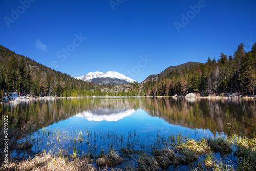 Spoed Foto op Canvas Canada Lake in mountains