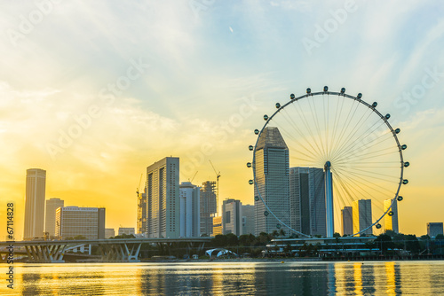 Photo  SINGAPORE - JUNE 23: At a height of 165m, Singapore Flyer is the