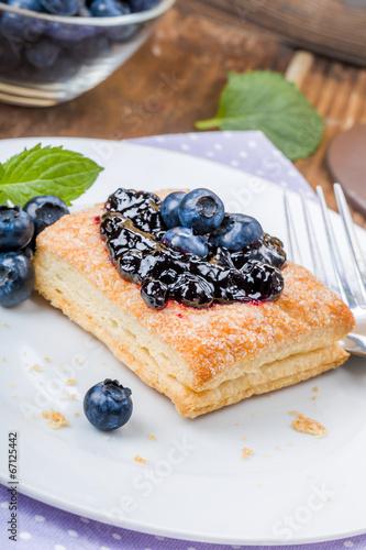 Cadres-photo bureau Dessert Blätterteig mit Heidelbeeren