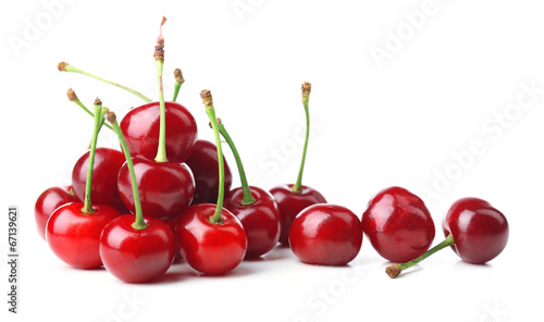 Montage in der Fensternische Kirschblüte Sweet cherries isolated on white