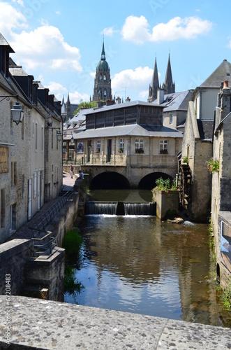 Papiers peints Ville sur l eau Centre-ville de bayeux (Normandie)