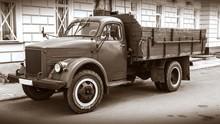 Retro Truck