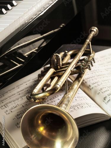 Fotografie, Obraz  tromba con spartito