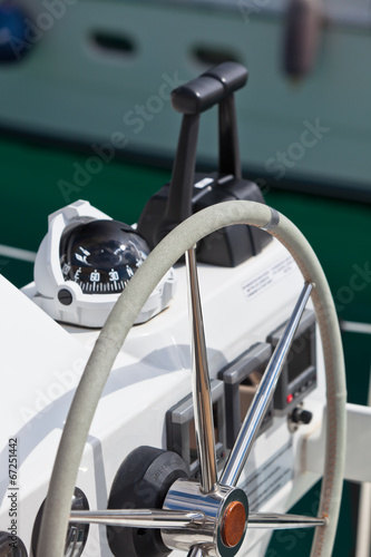 Sailing yacht control wheel and implement Tablou Canvas
