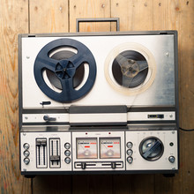 Reel To Reel Tape Player And R...