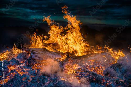 Foto op Aluminium Vulkaan landscape with bonfire
