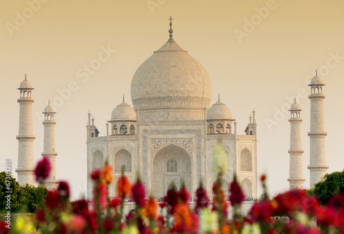 Tuinposter India Taj Mahal in sunset light, Agra, Uttar Pradesh, India