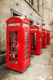 rote Telefonzellen in London mit antiker Textur - 67331838