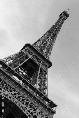 Foto op Aluminium Eiffeltoren Eiffel Tower low view