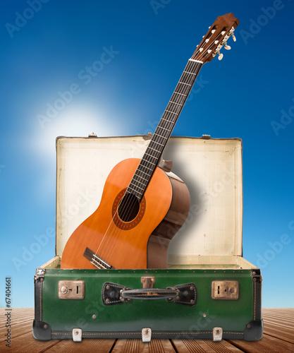 Obraz na plátně chitarra in valigia