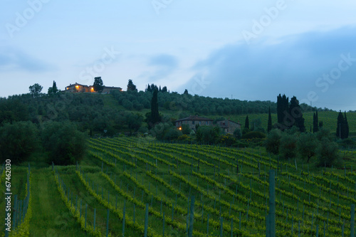 Tuinposter Wijngaard Sunrise over vineyards, Tuscany, Italy