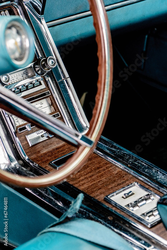 фотография  1960's Ford Thunderbird radio