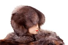 Mannequin Head Wearing Fur Hat...