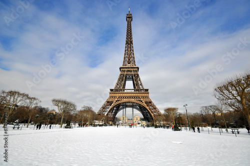 Poster de jardin Paris Winter day in Paris