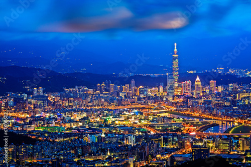 Foto op Plexiglas Bedehuis Taipei, Taiwan evening skyline.