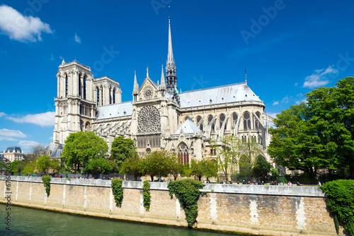 Staande foto Parijs Kathedrale notre-dame in Paris