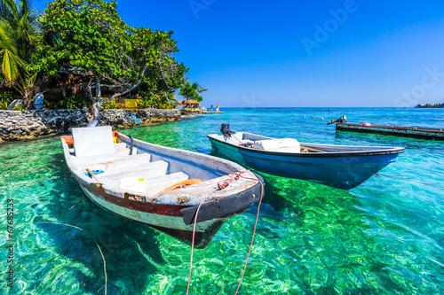Fotografía  boat at islas de rosario colombia