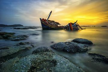 FototapetaWreck boat