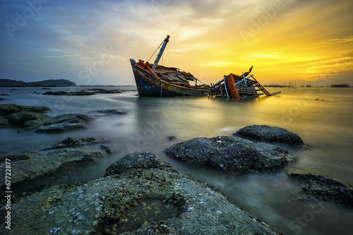 Photo Stands Ship Wreck boat