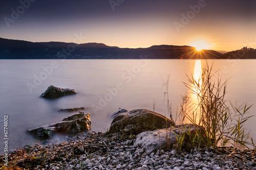 Fototapeta Crépuscule sur le lac d'Aix les Bains