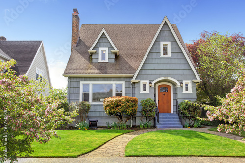Fotografia House exterior with curb appeal