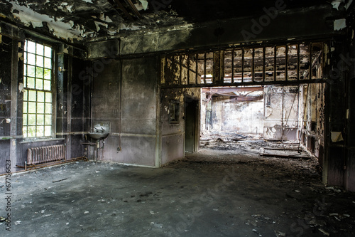Staande foto Industrial geb. old abandoned building